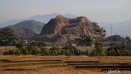Kondisi Gunung Pancir yang Terus Terkikis