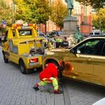 Polisi Sita SUV BMW karena Pakai Cat Warna Emas yang BIkin Silau