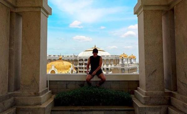 Dia juga mengabadikan momennya saat berkunjung ke Chennai, India. (tmsk/Instagram)