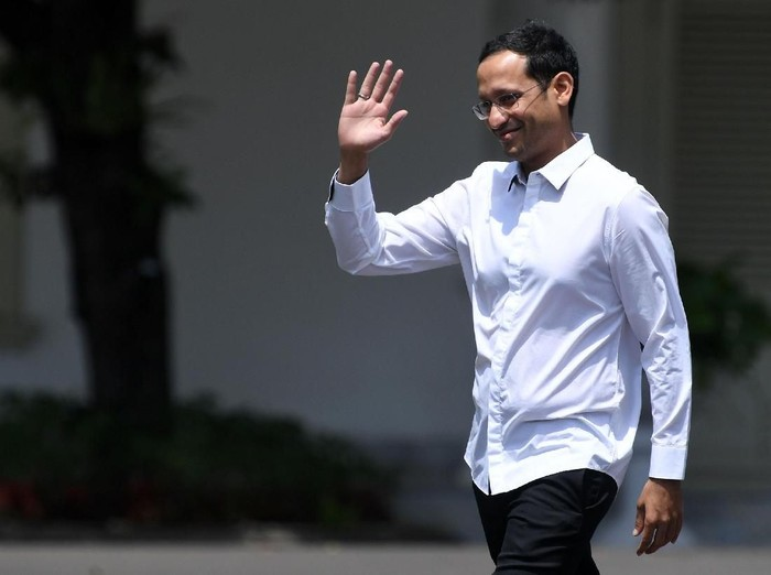 Pendiri Gojek Nadiem Makarim merapat ke Istana untuk memenuhi panggilan Presiden Jokowi.  (Foto: ANTARA FOTO/Wahyu Putro A)