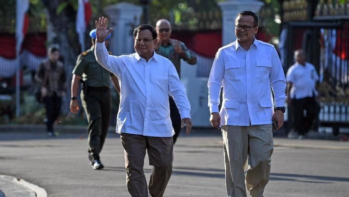 Prabowo Subianto bertemu dengan Presiden Joko Widodo (Jokowi) di Istana Merdeka. (Antara Foto/Wahyu Putro A)