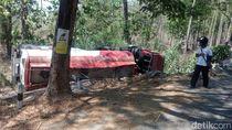Truk Tangki Muat Avtur Terguling di Hutan Madiun, Sopir dan Kenek Selamat
