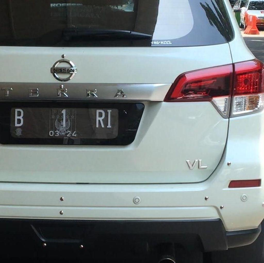 Polisi: Pemilik Mobil B 1 RI Pegang Undangan Pelantikan Biar Dikira Orang Top