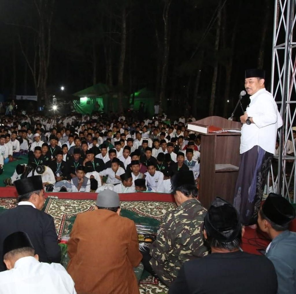 Kemah Santri Awali Rangkaian Peringatan Hari Santri Nasional di Banyuwangi