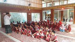 Puluhan Anak di Kota Kediri Sambut HSN dengan Nobar Film Sang Kiai