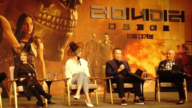 Tim Miller Akui Ada Perdebatan dengan James Cameron di Terminator: Dark Fate