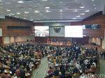 Rapat Paripurna Perdana, Hanya 61 Anggota DPR yang Izin!