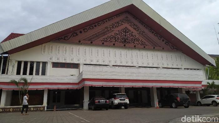 Gedung paripurna DPR Aceh.