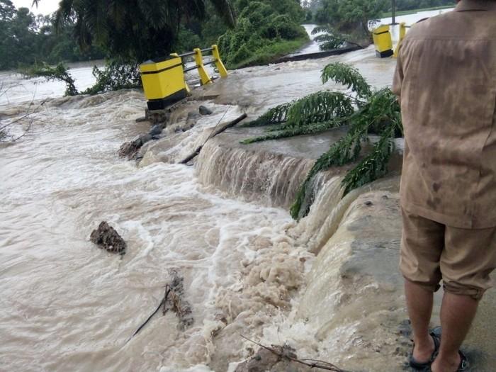 Banjir di Agam, Sumatera Barat (Foto: Jeka Kampai-detikcom)