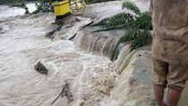Banjir di Agam Sumbar, Jalanan Amblas
