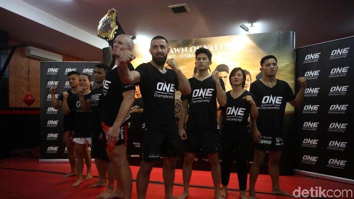 Atlet ONE Championship jalani sesi latihan terbuka (Agung Pambudhy/detikSport)
