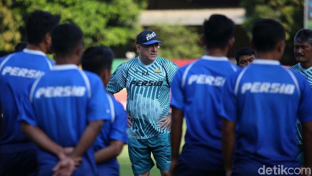 Bhayangkara FC Vs Persib: Maung Bandung Tak Khawatir Faktor Non Teknis