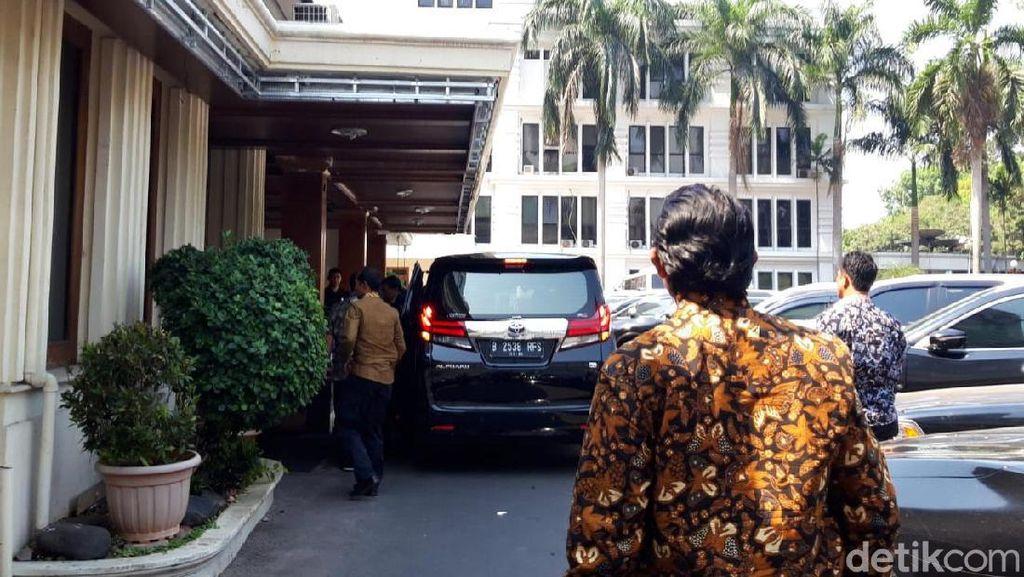 Kemenko Polhukam Ralat Informasi: Tak Ada Pertemuan Wiranto-Doni Monardo
