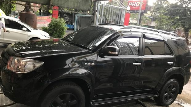 Fortuner G A/T 2011