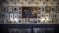 Terakhir, ada Fife Arms Hotel di Aberdeen, Skotlandia. Ada kurang lebih 14.000 karya seni dipajang di hotel ini. Pantas kalau disebut lebih mirip galeri seni (dok. Istimewa)