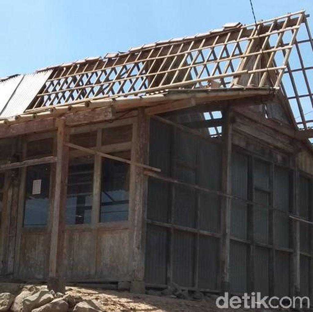 1.220 Rumah Rusak Akibat Diterjang Angin Kencang di Magelang