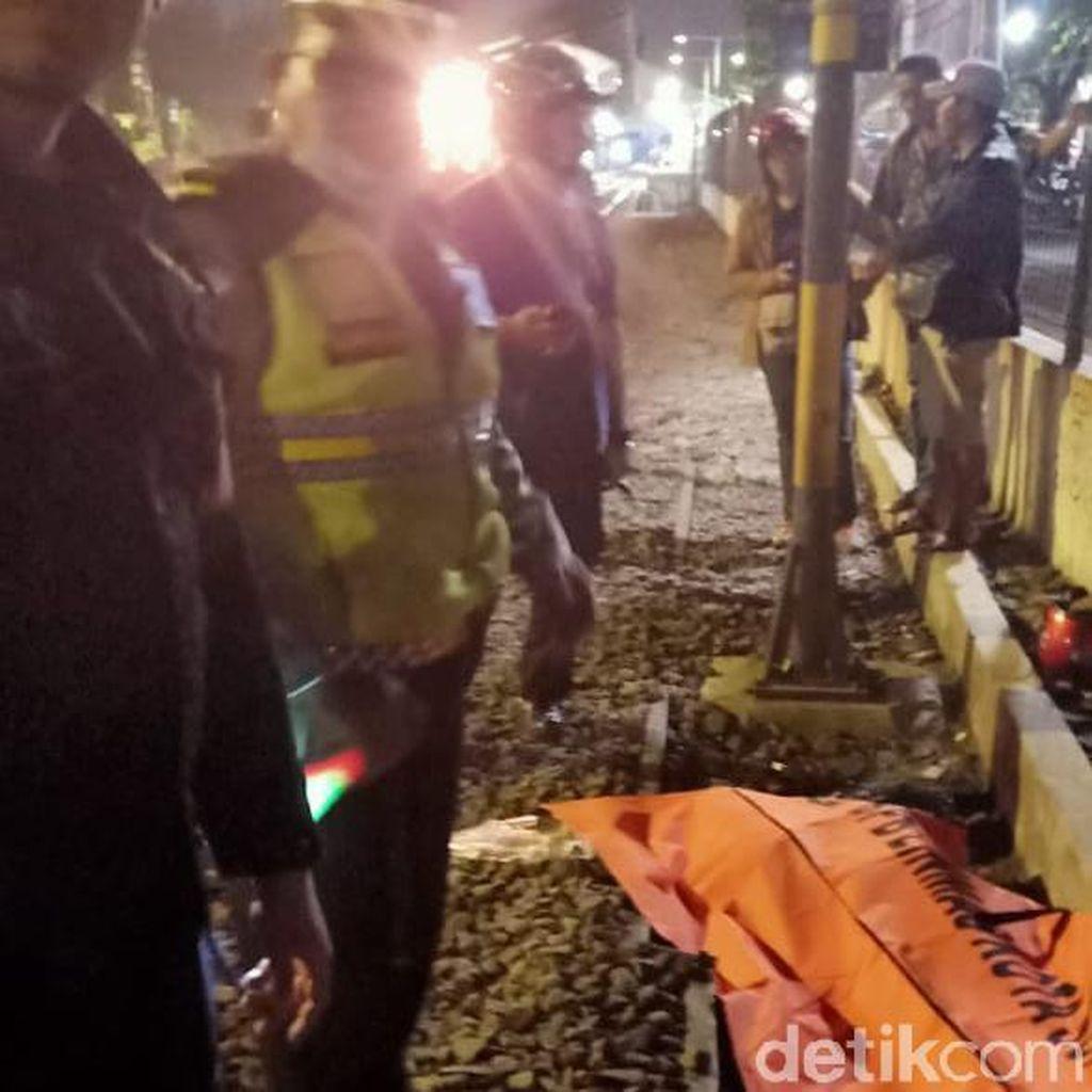 Terpental 10 Meter Setelah Tertabrak KA, Pria Asal Kediri Tewas