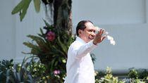 Jokowi Titip Sepakbola ke Menpora Baru