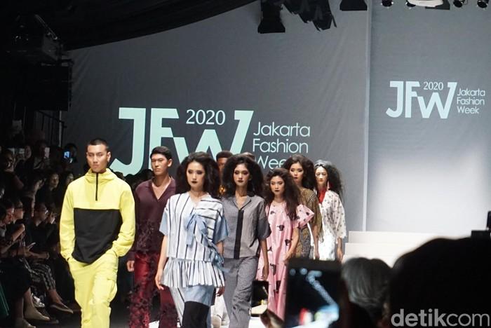 Karya Rama Dauhan dan Khannan di Jakarta Fashion Week 2020