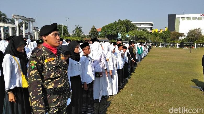Risma Batal Jadi Inspektur Upacara Hari Santri, Apa ke Istana Negara?