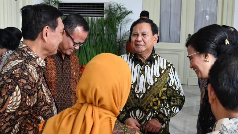 Momen Prabowo Berbaur dengan Sri Mulyani hingga Yasonna Laoly