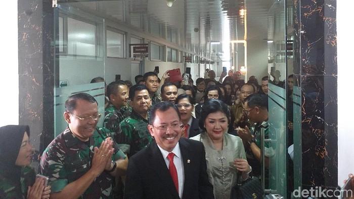 Menkes dr Terawan mengunjungi RSPAD Gatot Soebroto. (Foto: Khadijah Nur Azizah/detikHealth)