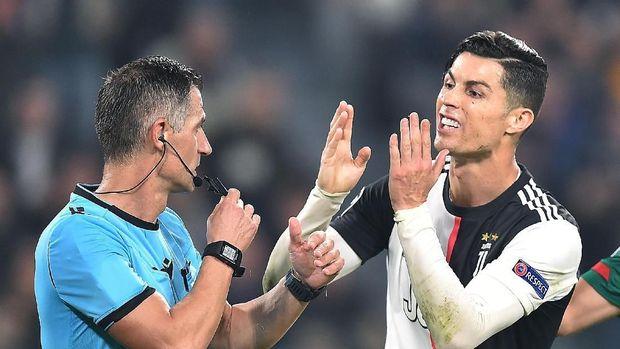 Cristiano Ronaldo diprediksi akan meraih penghargaan Ballon d'Or 2019.