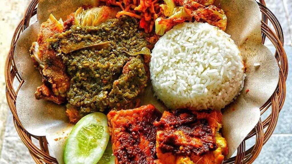 Modal Rp 20 Ribu, Bisa Makan Murah Rice Bowl hingga Ayam Begor Pedas