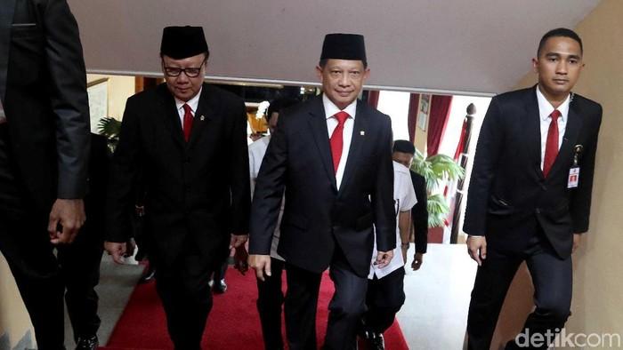 Tito Karnavian hadiri acara serah terima jabatan di Kantor Kemendagari. Mantan Mendagri Tjahjo Kumolo turut hadir di acara tersebut.