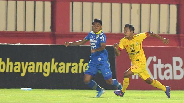 Persib Bandung bakal menjamu Arema FC dalam laga Liga 1.