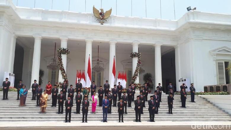 Menteri Kabinet Indonesia Maju Foto Bersama Usai Dilantik