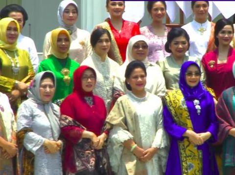 Anggunnya Gista Putri Foto Bareng Ibu Negara dan Pendamping Menteri