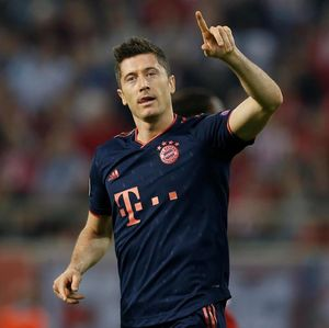 Lanjutkan Masa Subur, Lewandowski Gusur Van Nistelrooy