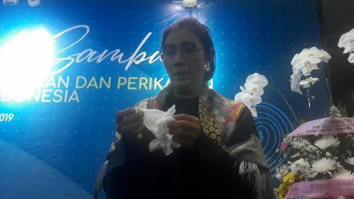 Momen Susi menangis kenang ngopi di KKP/Foto: Dok. Humas Kementerian Kelautan dan Perikanan