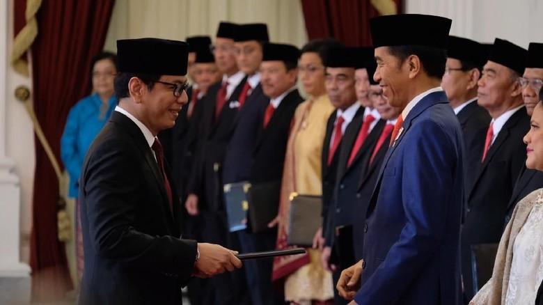 Wishnutama saat dilantik menjadi Menteri Pariwisata dan Ekonomi Kreatif (Andhika Prasetia/detikcom).