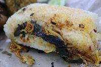Nasi Bakar Karomah: Pulen Gurih Nasi Bakar Teri Medan yang Sedap