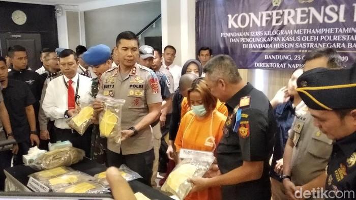 Polda Jabar rilis kasus narkotik. (Foto: Dony Indra Ramadhan/detikcom)