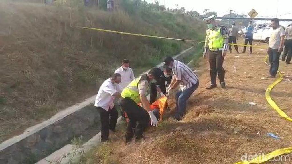 Mayat Pria dengan Kepala Terbungkus Kaus di Tol Pandaan Diduga Dibunuh