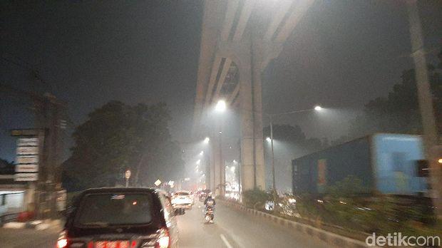 Udara di Palembang Berbahaya Akibat Kabut Asap, Warga Pusing-Sesak Napas