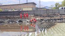 Pertamina Sterilisasi Area Tumpahan BBM di Cimahi