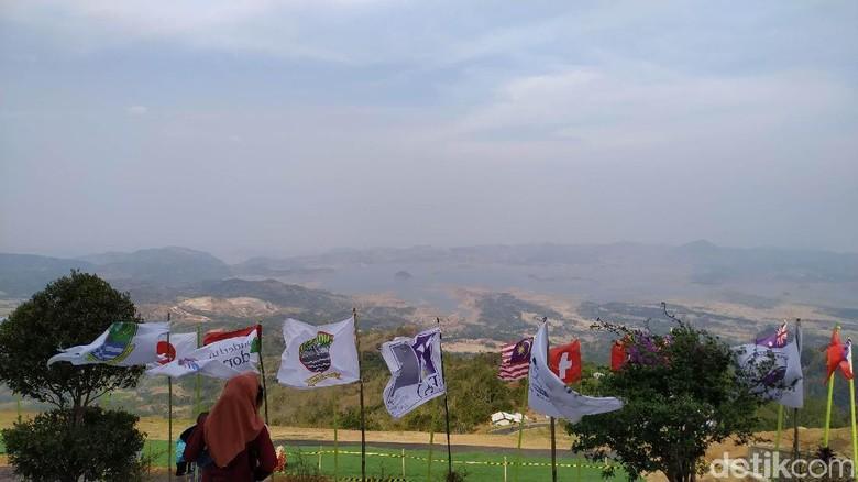 Batu Dua, Spot Terbaik Paralayang dengan Pemandangan Menawan. (Foto: Mukhlis Dinillah/detikcom)