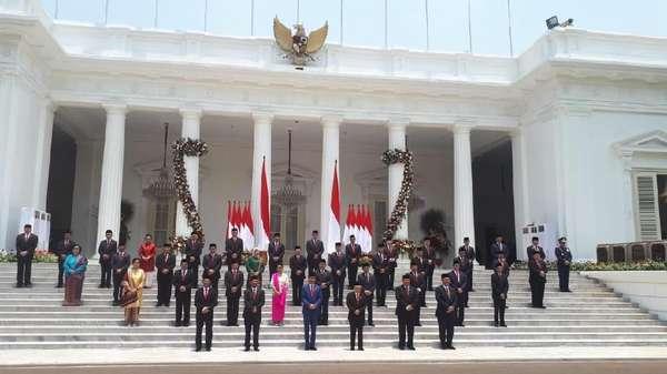 Jokowi Antara Kecepatan dan Bolehkan Menteri Rangkap Jabatan