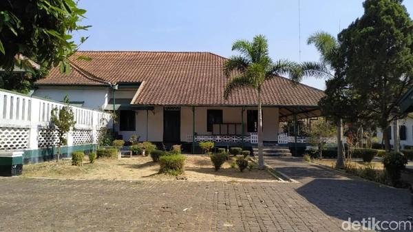 Mengunjungi Museum Prabu Geusan Ulun yang lokasinya berada di samping Gedung Negara, Pemkab Sumedang ini bagaikan menelusuri potret sejarah Kabupaten Sumedang (Mukhlis/detikcom)
