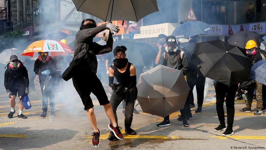 Hong Kong Diprediksi Alami Resesi Sampai Tahun Depan