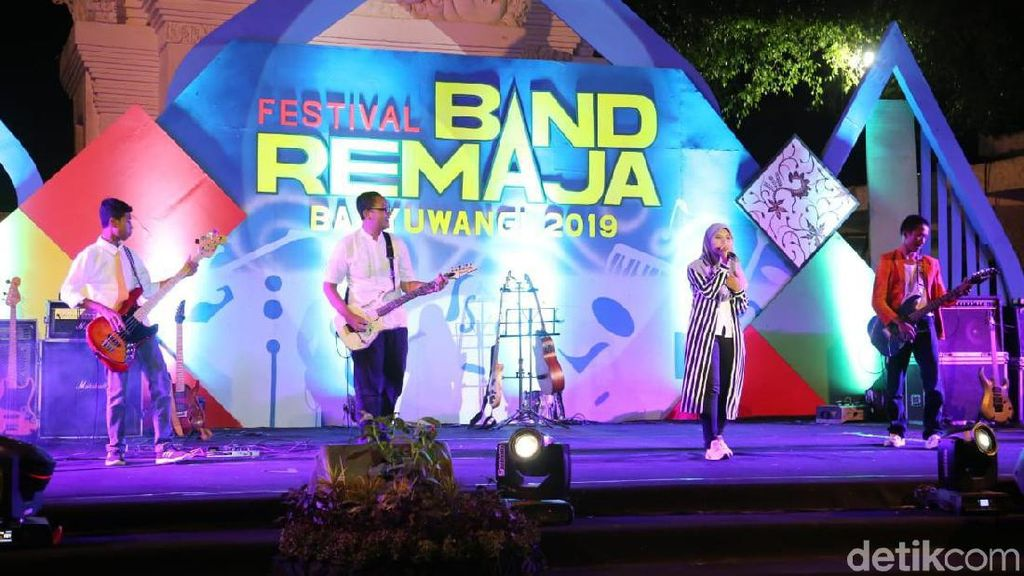 Pertama Kali Digelar, Festival Band Remaja Banyuwangi Tampil Atraktif