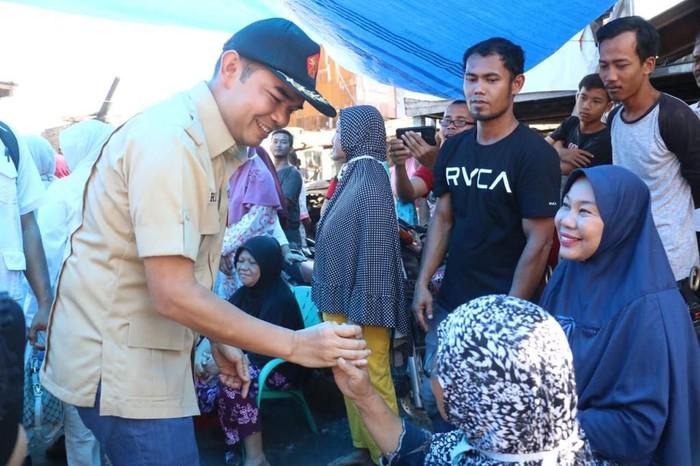 Ihwan Ritonga saat bertemu dengan warga. (Foto: Istimewa)