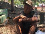 Kisah Mbah Mojo yang 30 Tahun Tinggal di Kuburan