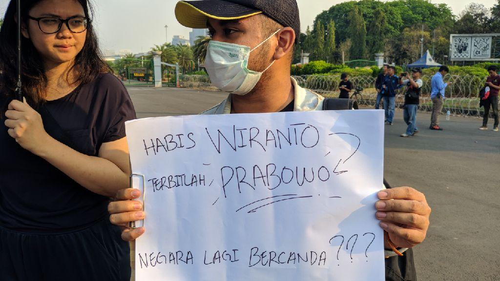 Aksi Kamisan: Habis Wiranto Terbitlah Prabowo, Negara Lagi Bercanda?