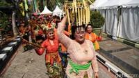 Pawai kenduri budaya tersebut digelar di halaman Kantor Wali Kota Jakarta Utara.