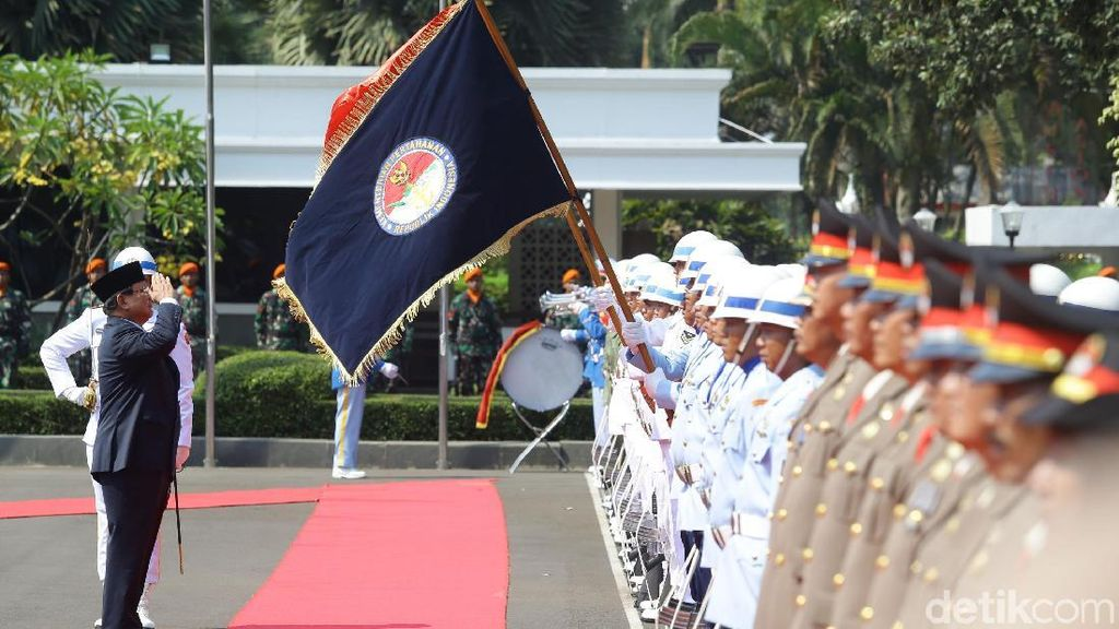 Prabowo Buka Lowongan CPNS Buat Posisi Juru Mesin Hingga Dokter